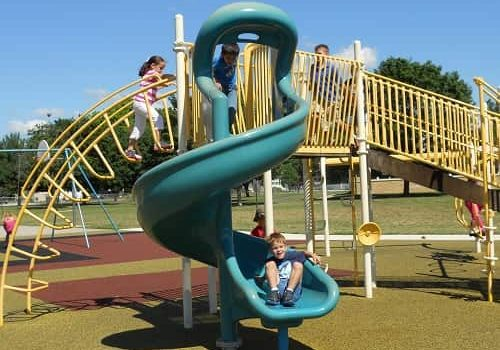 8 Tips for Summer Playground Safety